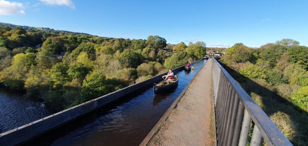 4 Canoe Aqueduct tour, with bearded men adventures